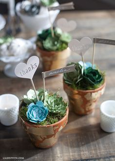 DIY Wedding Favors: Paper Succulent Pots