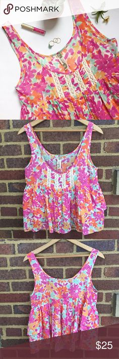 """Free People Floral Lace Top Super airy and lightweight tank with ruffles on the front. Beautiful floral print is accented with white Lace and button details. No size on the tag but will fit a XS or S. 13"""" from lowest point to hem and 17"""" across chest laying flat.   🚫Trades / Lowball ✨Reasonable Offers Welcome 💰Bundle Discount Offered  📬 Ships in 1-2 Days Free People Tops Tank Tops"""