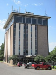 LoopNet - Western Oaks Tower, Office Building, 7300 NW 23rd Street, Bethany, OK