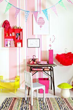 Kids room, bright colors. LirumLarumLeg - toys, interior and accessories for kids www.lirumlarumleg.dk