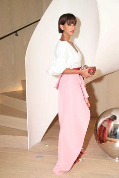 When You See This Saudi Arabian Princess& Outfits, You& Never Forget Her Arab Fashion, Royal Fashion, Womens Fashion, Princess Deena Aljuhani Abdulaziz, Arabian Princess, Saudi Princess, Business Fashion, Style Icons, Rihanna