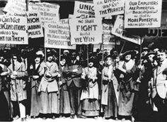 Στις 8 Μαρτίου του 1857, οι εργάτριες μιας κλωστοϋφαντουργίας στη Νέα Υόρκη, συμμετείχαν σε μια μεγάλη εκδήλωση διαμαρτυρίας απαιτώντας καλύτερες συνθήκες εργασίας. Αυτή η απεργία διαλύθηκε βίαια από την αστυνομία της πόλης, όμως το γυναικείο εργατικό κίνημα μόλις είχε γεννηθεί.  Είχε γίνει η αρχή για ένα σκληρό αγώνα για τα δικαιώματα της γυναίκας, στην εργασία αλλά και στην εκτός εργασίας ζωή της.