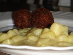 Nem vagyok mesterszakács: Retro ételek kicsit másképp: selymes-savanyú krumplifőzelék fűszeres-ropogós húsgolyóval Mashed Potatoes, Cauliflower, Ale, Vegetables, Ethnic Recipes, Food, Whipped Potatoes, Smash Potatoes, Cauliflowers