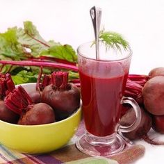 Beets are very nutritious and healthy vegetable but mostly people not eat because of bitter taste. Check out 6 tasty and nutritious beetroot juice recipes. Beets Health Benefits, Beetroot Benefits, Beetroot Juice Recipe, Raw Food Recipes, Healthy Recipes, Juice Recipes, Healthy Food, Healthy Eating, Smoothie Recipes