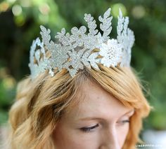 DIY Make a Stunning Fairy Paper Crown with FREE Template to create it! Lia Griffith gives us a great tutorial for this sweet Fairy Crown