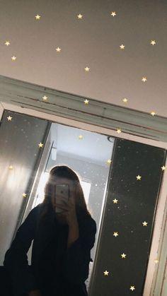 16 Ideas to edit selfies in your stor Instagram Selfies, Fake Instagram, Instagram And Snapchat, Emoji Tumblr, Ft Tumblr, Tumblr Selfies, Ideas De Instagram Story, Creative Instagram Stories, Illusion Fotografie