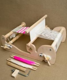 Cricket Looms from Schacht Spindle Co.: The Cricket Loom is compact, well-made and super capable! Superiorly engineered by Schacht Spindle Co., the Cricket is made of high-quality, unfinished apple ply and hard maple. I want to learn to do this! Weaving Loom Diy, Inkle Loom, Yarn Crafts, Diy And Crafts, Wood Log Crafts, Cricket Loom, Purl Soho, Arm Knitting, Weaving Patterns
