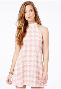 Missguided - Zuzanna Dogtooth Halterneck Swing Shift Dress