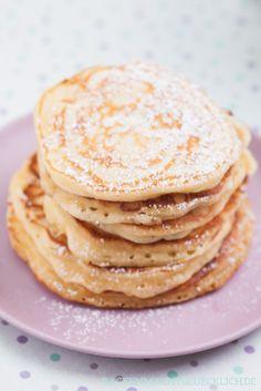 Rezept für amerikanischen Pancakes, superfluffige Pfannkuchen | http://www.backenmachtgluecklich.de
