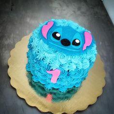 Lilo And Stitch Cake, Lelo And Stitch, Lilo And Stitch Quotes, Lilo Et Stitch, Pretty Cakes, Cute Cakes, Beautiful Cakes, Amazing Cakes, Disney Desserts