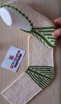 New crochet easy slippers free knitting patterns ideas Knitting Blogs, Knitting Patterns Free, Free Knitting, Baby Knitting, Free Pattern, Crochet Socks, Knitting Socks, Easy Crochet, Knit Crochet