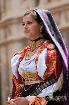 Women, most beautiful dresses, folk costume, traditional dresses, civilizat Most Beautiful Dresses, Beautiful Women, Beautiful People, Costumes Around The World, Muslim Beauty, Beauty Tips For Face, Folk Costume, People Around The World, Traditional Dresses