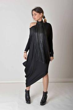 image 0 Bold Necklace, Fringe Necklace, Black Necklace, Leather Necklace, Bronze Hair, Plus Size Maxi Dresses, Contemporary Fashion, Fashion 2020, Street Fashion