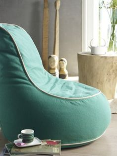 Image: Inspiration Special Living Source byWelcome to BERNINA New Zealand – the Swiss sewing and embroidery machine manufacturer backed by tradition. BERNINA stands for quality, durability, innovation, and creativity.Would love a bean bag chair lik Young Mans Bedroom, Diy Bean Bag, Bean Bags, Bean Bag Sofa, Patterned Chair, Soft Seating, Baby Pillows, Cool Chairs, Sofa Furniture