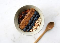 This breakfast bowl recipe will change your morning routine for the better, it also makes an excellent snack if you are on the Clean Program. Clean Breakfast, Sweet Potato Breakfast, Breakfast Smoothies, Breakfast Bowls, Sugar Free Recipes, My Recipes, Whole Food Recipes, Favorite Recipes, Clean Diet