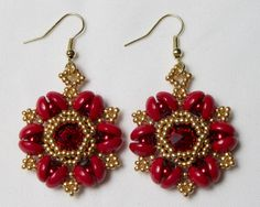Handmade Beaded Starburst Delight Earrings door HoneyBeads1Official #handmade #earrings #jewelry #swarovski #rounduo #rounduos #rivoli #starburst #delight #piggybeads #piggy #beads #etsy #listing #mothersday