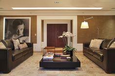 Apartamento em cores escuras (Foto: Denilson Machado / MCA Estúdio / Divulgação)