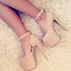 Concise Ankle Strap Nude Peep-toe Heels