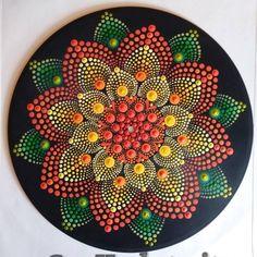 Mandala on an old record Stone Art Painting, Dot Art Painting, Mandala Painting, Mandala Drawing, Pebble Painting, Painting Patterns, Mandala Canvas, Mandala Dots, Mandala Pattern