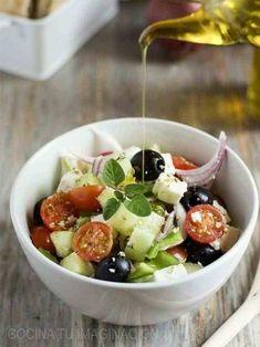 28 RECETAS DE ENSALADA GRIEGA | MURANO SPORTS Cocina Natural, Cooking Recipes, Healthy Recipes, Healthy Food, Fruit Salad, Love Food, Salads, Food Porn, Food And Drink