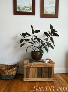 Coffre en bois de pallette Wood Pallets, Pallet Wood, Pallet Boxes, Wood Storage Box, Old Wood, Decoration, Pallette, Recycling, Diy Projects