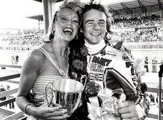76/7 Sheene Road Racing, Racing Bike, Motorcycle Racers, Vintage Tractors, Old Bikes, Valentino Rossi, Champions, Motogp, The Man