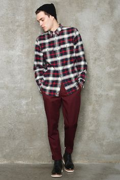 Retailer Urban Outfitters teams up with experienced workwear label Dickies on a capsule collection for the Fall/Winter 2012 season. Men's Beanies, Dapper Dan, Stylish Mens Outfits, Mens Fall, Future Fashion, Fashion Lookbook, Men Looks, Winter Collection, Fashion Pictures