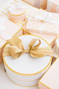 The Sweetest Gifts…Come Wrapped in Sugar Paper for Target's New Holiday Collection Christmas Love, Christmas Wrapping, Diy Cadeau, Pink Christmas Decorations, Gold Gift Boxes, Gold Gifts, Gift Box Design, Luxury Gifts, Gift Packaging