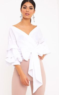 The Marlow White Oversized Ruffle Sleeve Low Shoulder Shirt. Head online and shop this season's range of tops at PrettyLittleThing. Express delivery available. Tie Styles, Blouse Styles, Marlow White, Evening Tops, Shoulder Shirts, Womens Fashion Online, Ruffle Sleeve, Classy Outfits, Skirt Outfits
