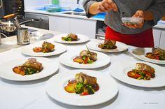 Pollo Campero relleno con su Jugo y Verduras salteadas