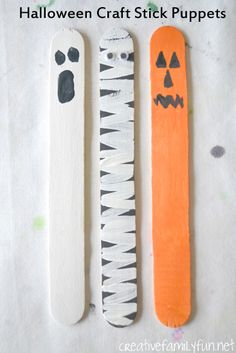 Puppets from Craft Sticks Creative Family Fun: Halloween Craft Stick Puppets. An easy kids craft that is perfect for Halloween pretend play. An easy kids craft that is perfect for Halloween pretend play. Halloween Tableau, Diy Halloween Party, Halloween Crafts For Kids To Make, Halloween Recipe, Women Halloween, Halloween Projects, Costume Halloween, Halloween Nails, Halloween Makeup
