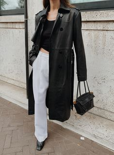 Buy Hollywood Movie Male Celebrity Real Leather Coat, Costume and Jackets at affordable price in USA/UK and Canada at one stop shop Celebrities Outfits. White Trench Coat, Trench Coat Outfit, Leather Trench Coat Woman, Belted Coat, Best Leather Jackets, Alexander Mcqueen, White Trousers, Black Tank Tops, Cool Outfits