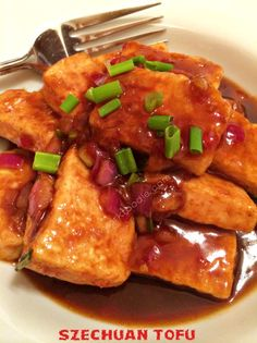 Szechuan Tofu by A New York Foodie is a delicious Asian vegan dish that everyone loved! So much better than takeout! Get the recipe today! Vegetarian Recipes, Vegetarian Dish, Healthy Recipes, Tufu Recipes, Jucing Recipes, Tagine Recipes, Coctails Recipes, Gnocchi Recipes, Vegan Meals