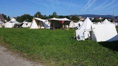 #viking #valravnontour @strega_ingosdottir Viel zu heiß auf dem #cavegladium . Aber dodal jetschilld :) Vikings, Outdoor Gear, Tent, Horses, Instagram Posts, Animals, Middle Ages, The Vikings, Store