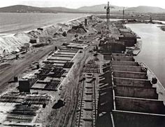 1966 Port Grimaud (83) chantier de la Gran'rue
