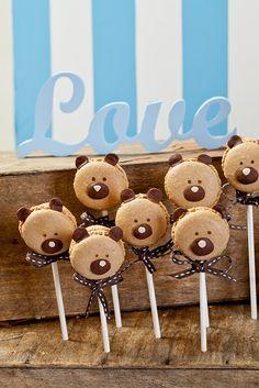 Macarons at a Teddy Bear Baby Shower #teddybear #babyshowermacarons