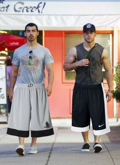A Bunch Of Famous Hot Dudes In Regular Shorts Vs. Those Baggy-Ass Basketball Shorts Every Guy Owns