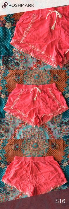 Hot Pink Shorts Hot pink shorts with white design along the edges; pockets on the side; stretchable waistband that ties. Perfect pair of spring/summer shorts. Bethany Mota Shorts