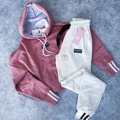 Athleisure Outfits, Sporty Outfits, Nike Outfits, Swag Outfits, Cute Casual Outfits, Stylish Outfits, Polo Outfits For Women, Teenage Girl Outfits, Teenager Outfits