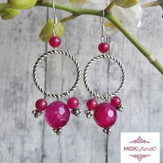 NEW ITEM! Welcome spring with a beautiful, colorful and luxurious pair of earrings made with fuchsia natural agate beads and tibetan silver! Limited edition original design, only on MCKbyMarieKC's boutiques.
