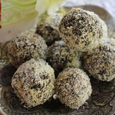"""""""I can't believe they are not chocolate"""" Healthy Chocolate Truffles 