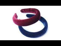 Diadema tiara adulto com enchimento - YouTube Fabric Headband Tutorial, Fabric Headbands, Ribbon Hair, Ribbon Bows, Bandanas, Silverware Holder, Alice Band, Scrunchies, Hair Band