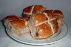 Vegan hot cross bun recipe from Suma Wholefoods