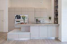 Hakusanat: keittiö, A la Carte -keittiö, Kotitehdas, Passiivikivitalo, kivitalo, arkkitehti Pet Michael