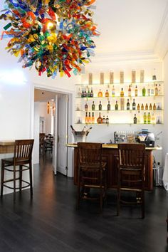 Restaurante Tágide is one of Lisbon's most prestigious restaurants. Situated in the heart of Chiado it boasts one of the most amazing views over the old quarter of the city and Tagus river.