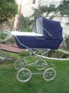 A zase ta ZEKIWA Brio, Baby Carriage, Prams, Outdoor Furniture, Outdoor Decor, Kids And Parenting, Sun Lounger, Strollers, Vintage