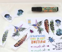 Recortamos los diseños que queramos utilizar de la hoja de Transfer Paper, en c… We cut the designs that we want to use from the Transfer Paper sheet, in each package they go 2 units, you can combine them with each other 😊 Pin: 2598 x 2185 Transfer Paper, Holidays And Events, Diy, How To Make, Design, Home Decor, Tela, Sharpies, Little Birds