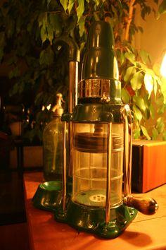 Oil Pump Emporium, Bomba de Aceite de almacen, 1950 aprox.