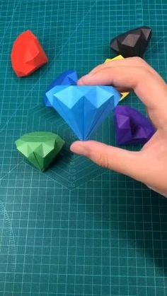 Cool Paper Crafts, Paper Crafts Origami, Diy Paper, Kraft Paper, Diy Crafts Hacks, Diy Crafts For Gifts, Creative Crafts, Craft Tutorials, Instruções Origami