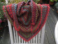 Ravelry: fanalaine's Annie's DROPS Crochet Shawl